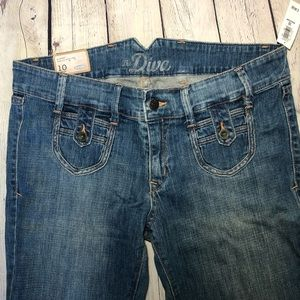 NWT Old Navy low rise super flare jeans size 10